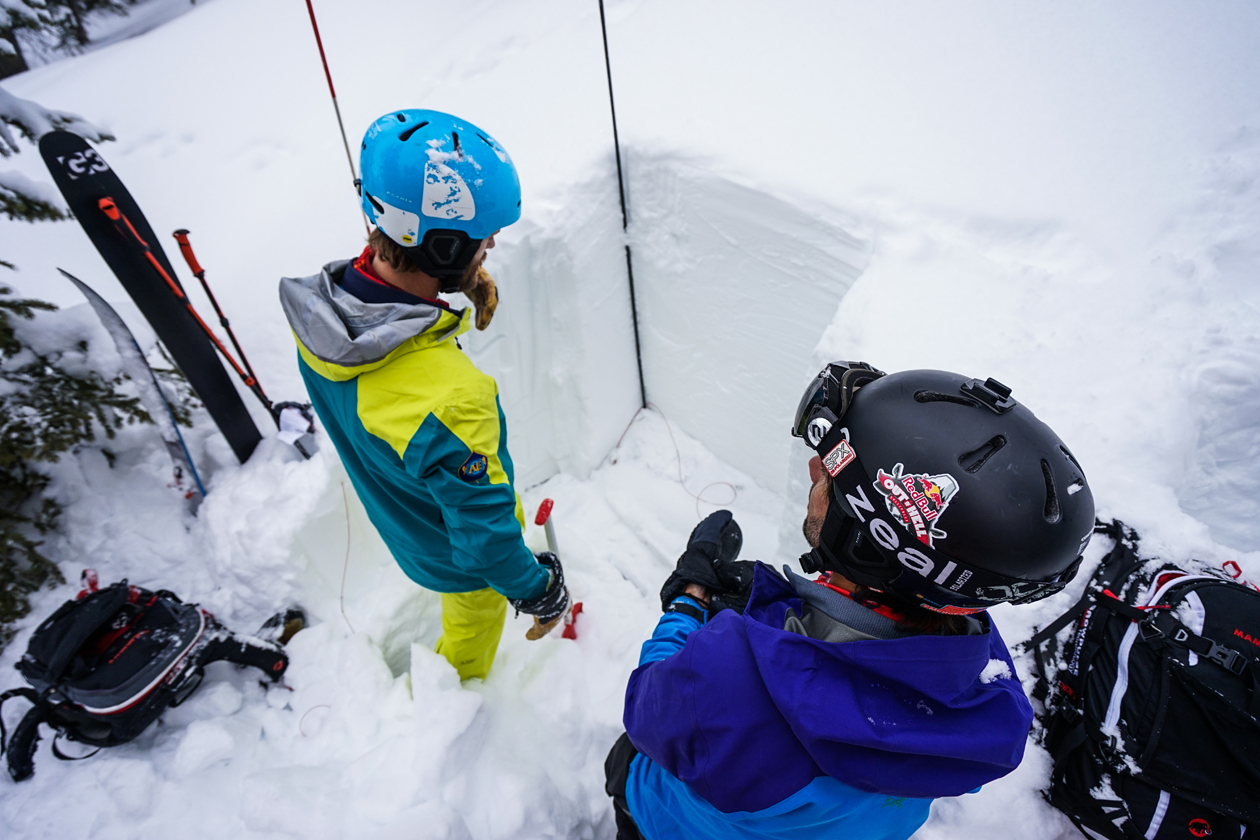 Snow pit science during AIARE AVy 2 Course